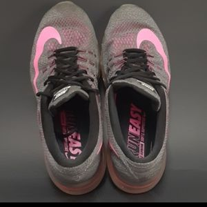Nike Shoes - NIKE air max 2016 women 9.5
